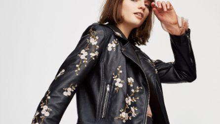 """Chiodo in pelle: la giacca """"da avere"""" in primavera"""