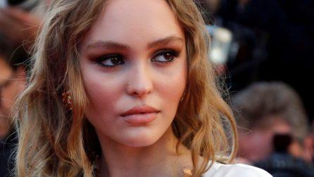 Il look da sexy dea di Lily-Rose Depp a Cannes