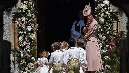 Kate Middleton sgrida il piccolo George al matrimonio di Pippa