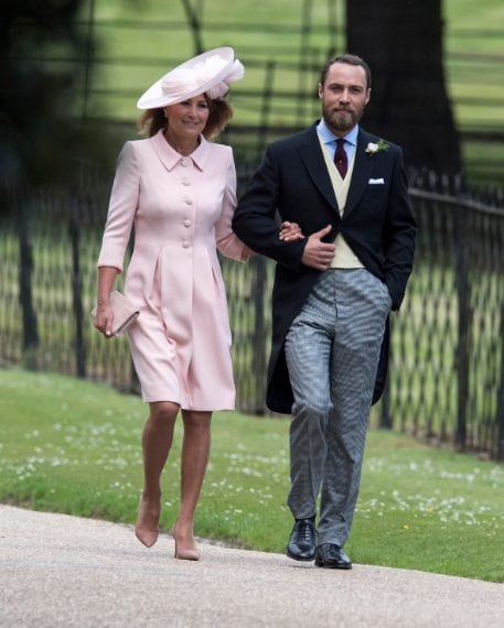 Il fratello di Pippa, James Middleton accompagna sua madre Carole Middeleton