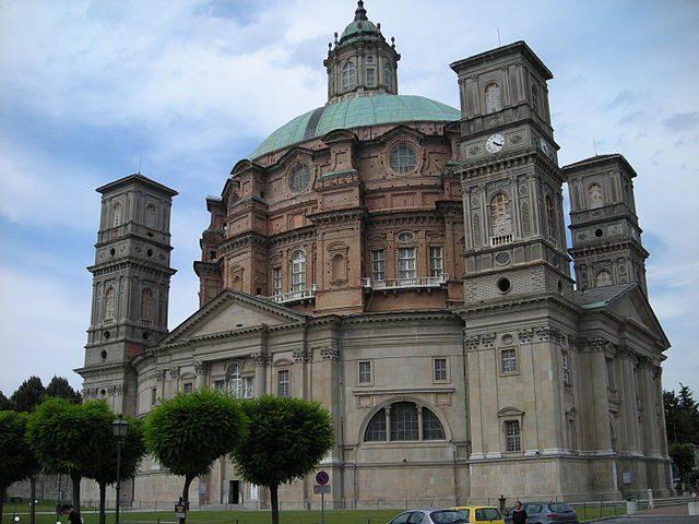 https://commons.wikimedia.org/wiki/File:Santuario_Vicoforte_4.JPG