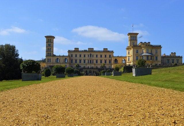 https://pixabay.com/en/isle-of-wight-house-manor-osborne-718751/