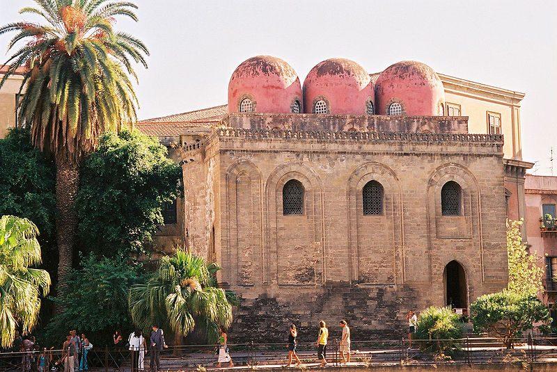 https://it.wikipedia.org/wiki/File:Palermo-San-Cataldo-bjs-1.jpg