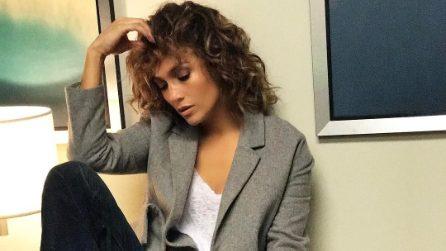 Jennifer Lopez con i capelli ricci