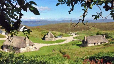 Questo villaggio in Scozia è in vendita e costa meno di un attico in città