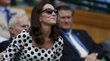 Kate Middleton sceglie i pois per inaugurare