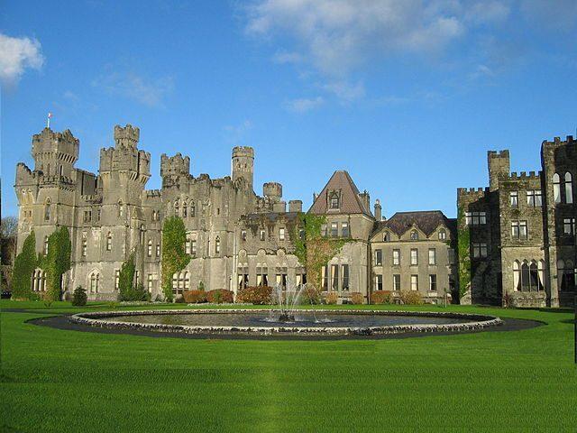 https://commons.wikimedia.org/wiki/File:Ashford_Castle_in_County_Mayo.jpg