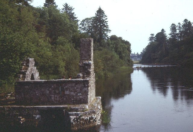 http://www.geograph.ie/photo/70459