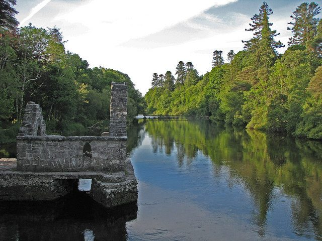 https://commons.wikimedia.org/wiki/File:Cong_River_,County_Mayo.jpg