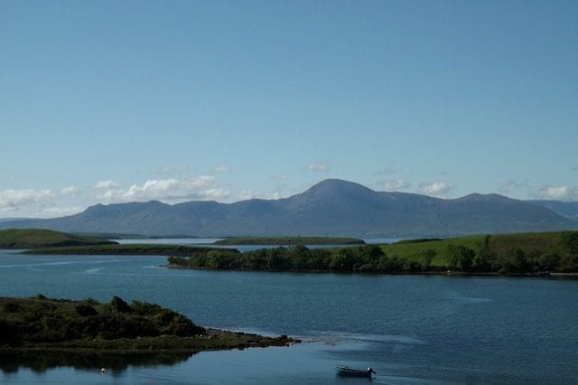 http://maxpixel.freegreatpicture.com/Ireland-County-Galway-Lough-Corrib-Lake-Boat-360707