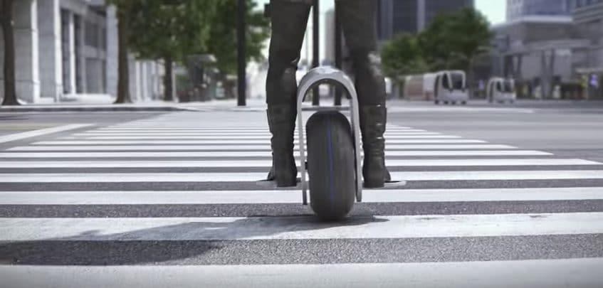 Il vincitore del primo posto al Design Insight forum di Hankook Tires è stato il 'Flexup', un mono-ruota che può muoversi liberamente, anche sulle scale.