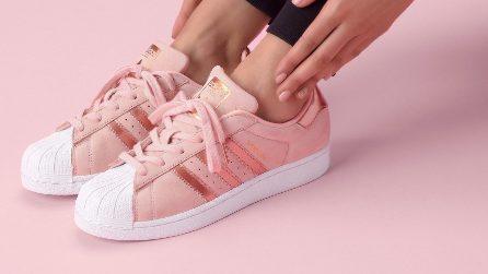 Scarpe rosa millenial: le sneakers da avere quest'estate
