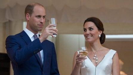 Kate Middleton sceglie un raccolto per il party di benvenuto a Varsavia
