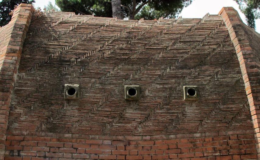 È così che nel 2007, nel parco dell'Anconella, è stata creata una riproduzione in scala 1:5 del cupolone del Duomo, un progetto ideato in origine dall'architetto Michelucci ma realizzato da Massimo Ricci, uno dei massimi studiosi del capolavoro del Brunelleschi. Si tratta di un grande modello che riproduce in modo sistematico anche la struttura dei singoli mattoni, anch'essi in scala 1:5, sistemati a spina di pesce, non su un modello circolare ma parallelo alle superfici delle vele.