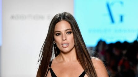 Ashley Graham sfila in intimo a New York