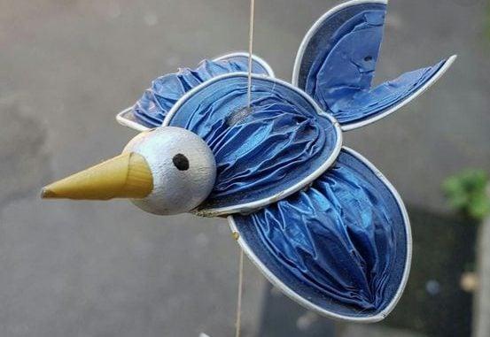 Un adorabile uccellino in volo. Fonte: https://it.pinterest.com/pin/823947694297943371/
