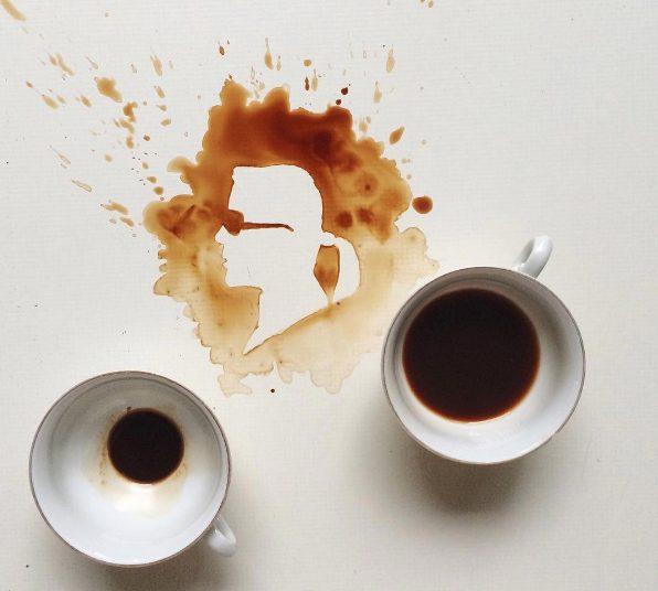 Un volto ricavato all'interno del caffè.