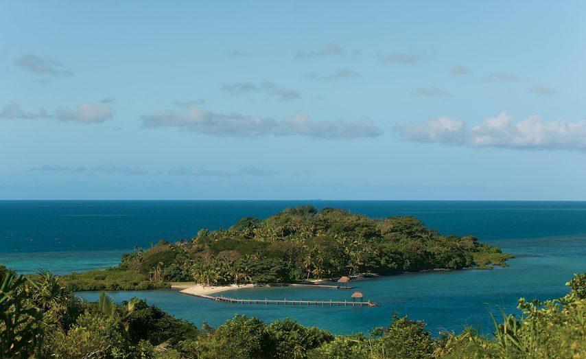 Un eccezionale luogo dove riposarsi. Assolutamente d'obbligo trascorrere almeno una notte in una tradizionale abitazione isolana (bure). www.dolphinislandfiji.com