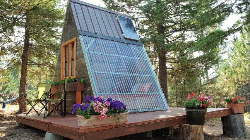 Il tetto trasparente della casetta. Fonte: http://newatlas.com/a-frame-cabin-alla-ponomareva/51499/#gallery