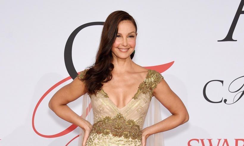 Nel 1996, Harvey Weinstein propone ad Ashley Judd un incontro nella sua suite d'albergo, lei rifiuta. Non lavorerà più in film della Miramax se non dopo anni da quell'incidente.