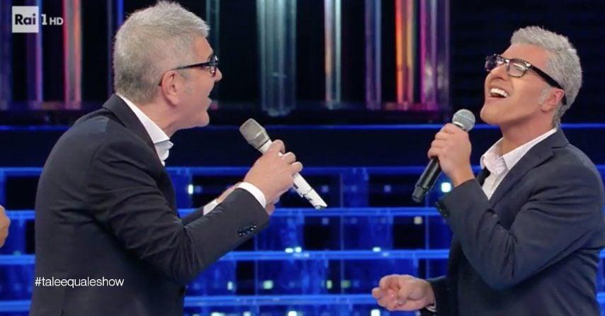 Il cantante sardo riceve la sorpresa dell'artista imitato che lo raggiunge sul palco. Buona la sua performance che fa incetta di complimenti nello studio e in rete.