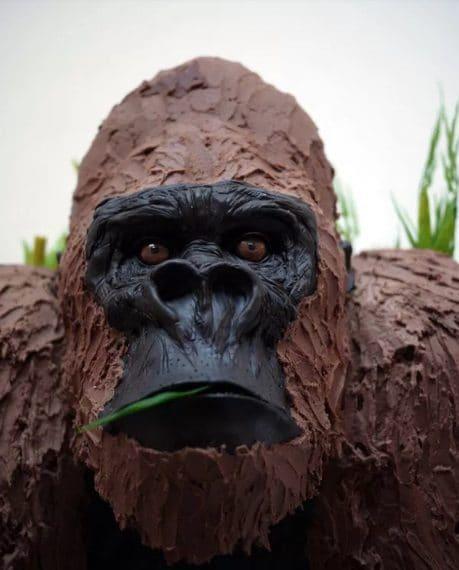 Una possente riproduzione in cioccolato dell'enorme King Kong. Fonte: http://thatlooksfab.com/yummy-chocolate-sculptures/