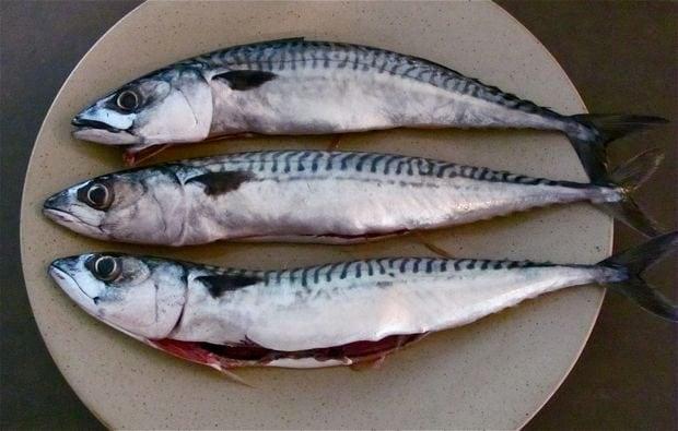 Utile soprattutto quando si va a pesca; potete eliminare il cattivo odore di pesce dalle mani strofinandole con il burro e poi sciacquando con acqua tiepida.
