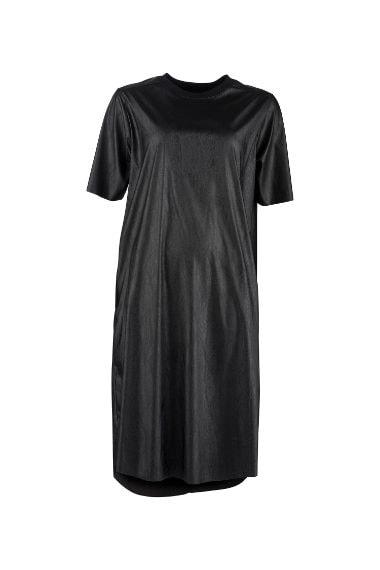 Il minidress black per creare un look dark