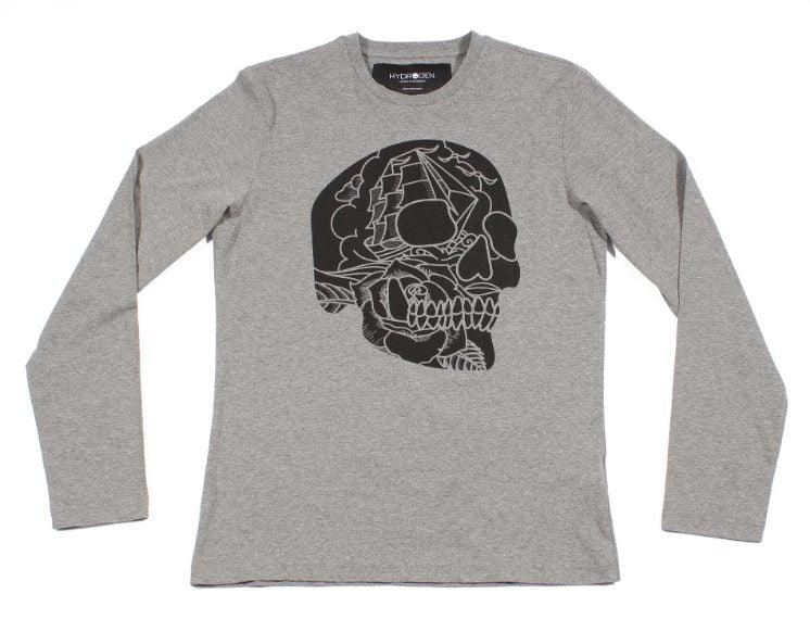 Una T-shirt con scheletro da poter riutilizzare anche dopo Halloween
