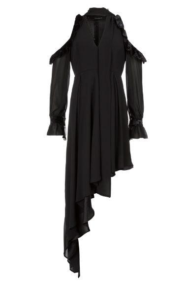 """Un abito perfetto per un look da """"sacerdotessa nera"""""""