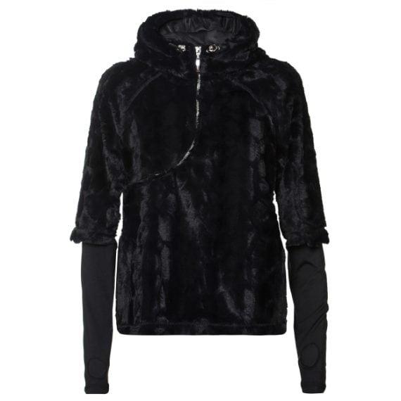 La pelliccia eco in total black