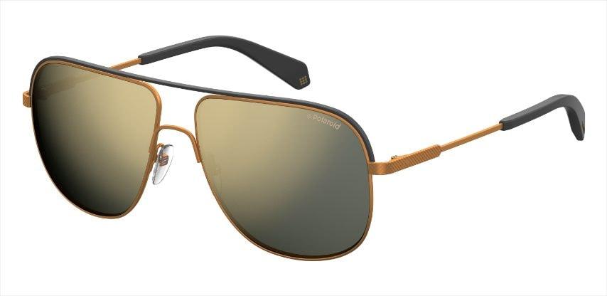 Gli occhiali con dettaglio arancio