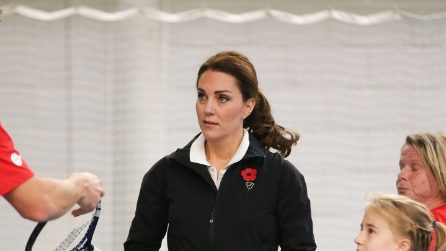 Kate Middleton gioca a tennis in tuta