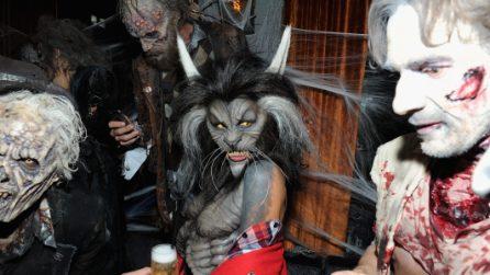 Heidi Klum travestita da lupo mannaro per Halloween