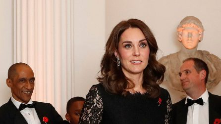 Kate Middleton incinta in total black per il gala benefico