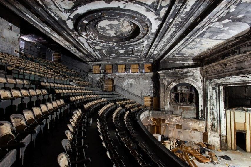 Inaugurato l'8 dicembre 1914, fu progettato da Funk and Wilcox. Costò l'equivalente di 6 milioni di dollari.