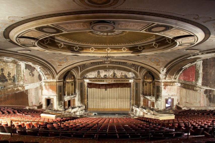 Quando aprì il 4 settembre 1922 questo teatro da 3.642 posti era il più grande del Connecticut.