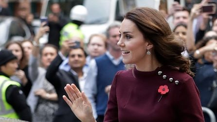 Kate Middleton incinta indossa l'abito oversize