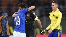Italia fuori dal Mondiale, il bellissimo abbraccio di Buffon e Bonucci