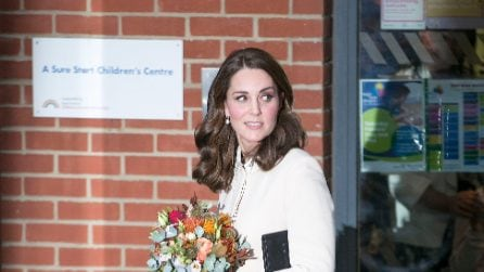Kate Middleton: in gravidanza indossa gli stivali bassi
