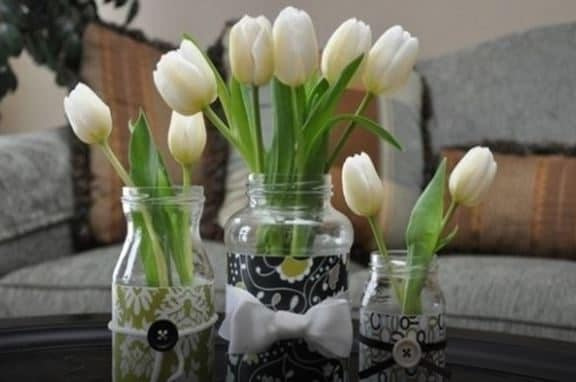 Decorate the jars and trasform them in wonderful flower pots.