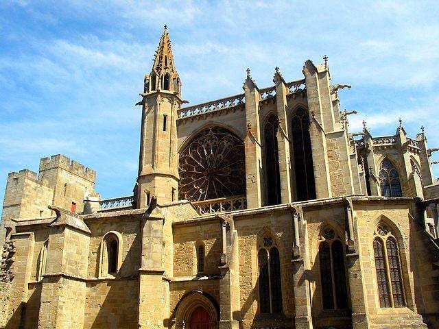 https://commons.wikimedia.org/wiki/File:Carcassonne_JPG04.jpg