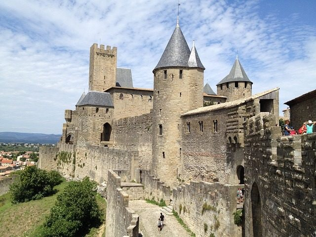 https://pixabay.com/it/carcassonne-medievale-castello-526189/