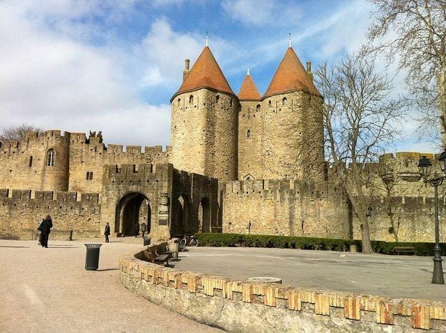 http://maxpixel.freegreatpicture.com/Landmark-Medieval-Tourism-Carcassone-Castle-France-710877