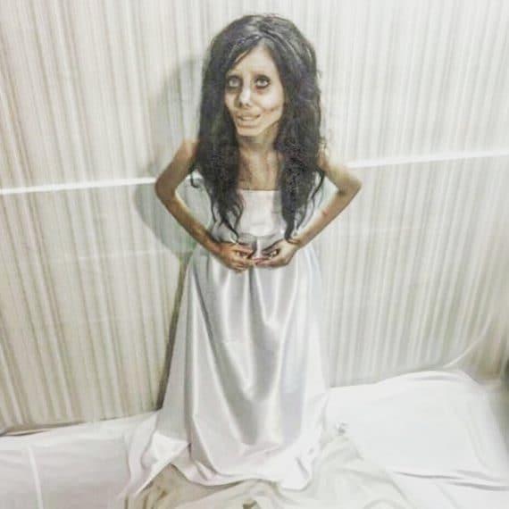 Sahar, la ragazza che si trasforma nella Sposa Cadavere con