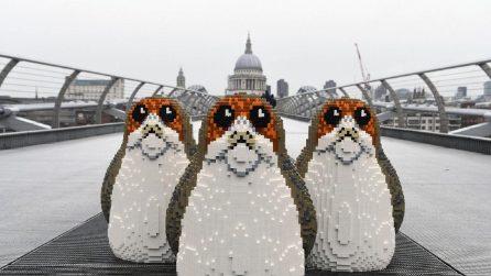 Tre Porg a Trafalgar Square per il lancio degli ultimi prodotti LEGO