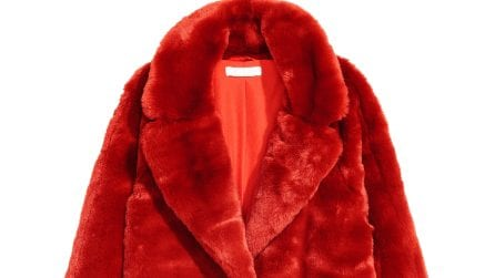 Abiti e accessori in rosso, il colore delle feste