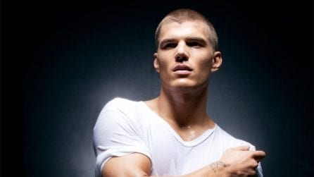 Chris Zylka, il sex symbol che ha stregato Paris Hilton