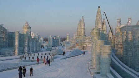Le incredibili sculture di Harbin, la città cinese del festival del ghiaccio