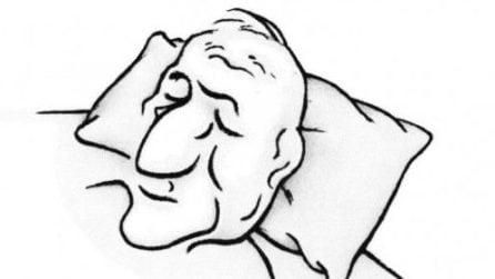 Nell'immagine si nasconde una ragazza che dorme: l'illusione ottica confonde tutti